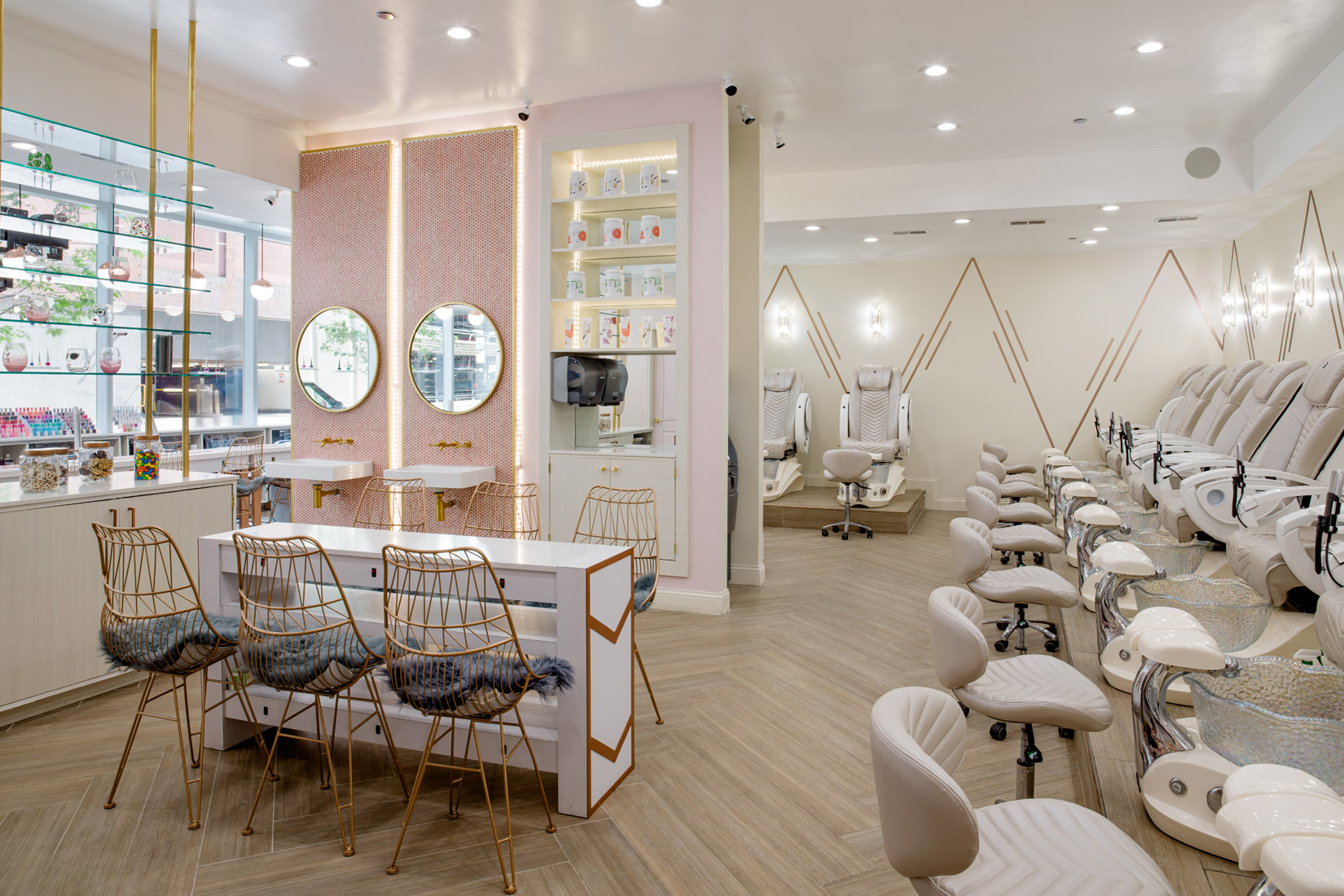 Nail Salon 60611 Bedazzled Nails Spa Of Chicago Illinois Gel Manicure Dipping Powder Organic Pedicure Acrylic Waxing